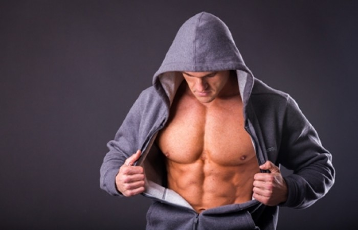 ripped guy show abs