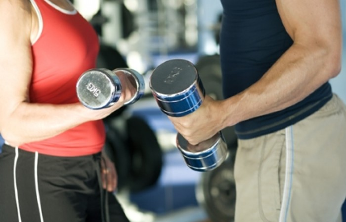 couple training to build muscle